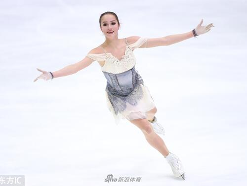 花滑大獎賽扎吉托娃女單短節目第一